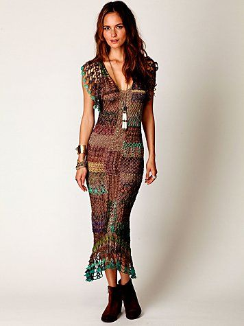 Mother of Pearl! I need this! It's like a fashionable version of Sally from Nightmare Before Christmas!