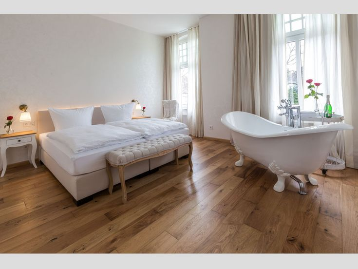 Freistehende Badewanne Edinburgh Badezimmer Ideen! Badezimmer Mit Der Freistehenden  Badewanne Edinburgh #baedermax