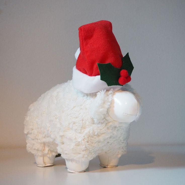 If you cannot sleep, count us. #sheep #xmasgarage #xmas #zunywish #züny #zuny #zunystore #lammas