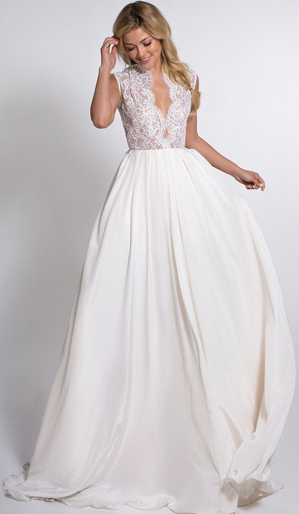 Tres Jolie Gown by Lurelly