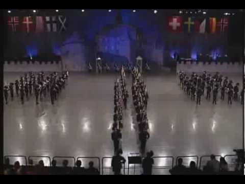 Banda militar - Um espectáculo imperdível! - YouTube