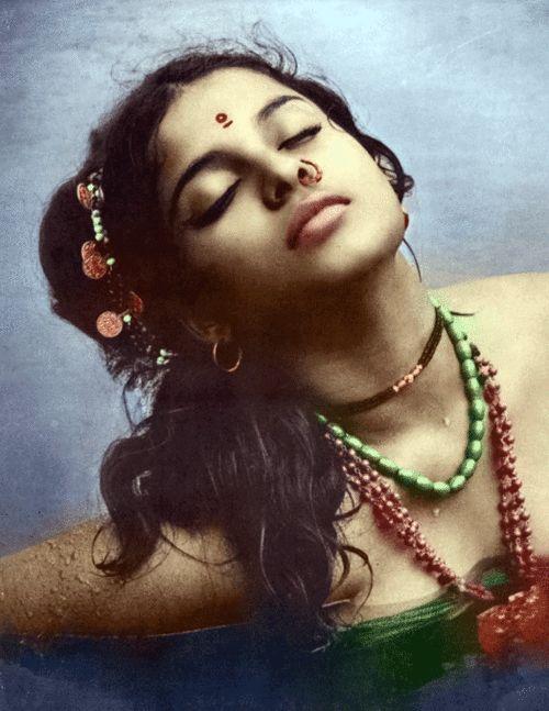 Rekha ~ Bollywood actress, dancer.  ~Via Ayub Mohamed