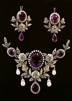 WOW! Diamonds and Amethysts.  Maybe we'll see this in one of the many period piece TV series.  Reign, perhaps?