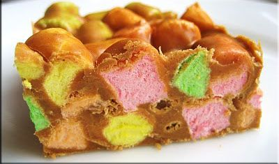 Confetti Cake Squares by thislilpiglet.net #Recipe #christmas #baking #dessert