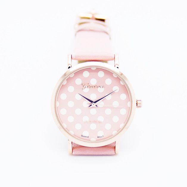 La montre tendance été 2015. Superbe montre, unique en son genre. Mouvement à trois aiguilles. Un jolie montre qui sublimera vos poignets en un clin d'oeil!!! La montre parfaite pour cet été! Emballage cadeau offert!