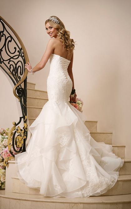 Fashion forward wedding gown include Diamante embellishments on corded  lace  a face framing sweetheart neckline  and figure flattering fitted drop  bodice Best 20  Corset wedding dresses ideas on Pinterest   Corset  . Corset Bodice Wedding Dress. Home Design Ideas