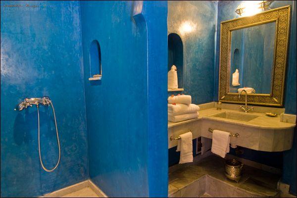Blue tadelakt bathrooms google search sparkbow ltd for Tadelakt bathroom ideas