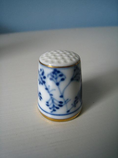 Haberdashery   Thimble   Ceramic   Blue And White
