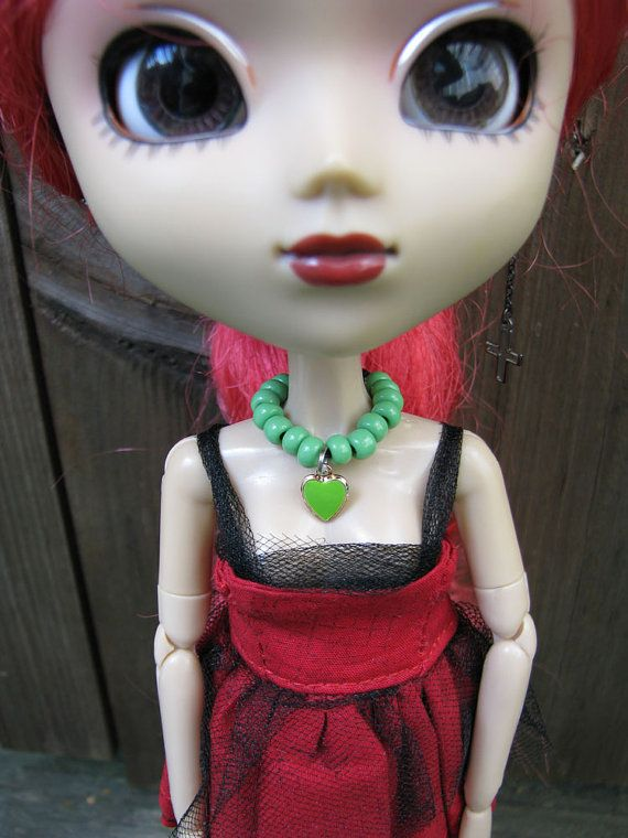 Blythe & Pullip Green Heart Necklace by finasma on Etsy.