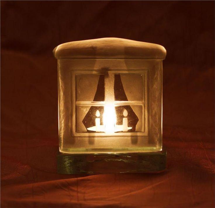Ljuslykta i form av fönster, glas, Nybro glasbruk