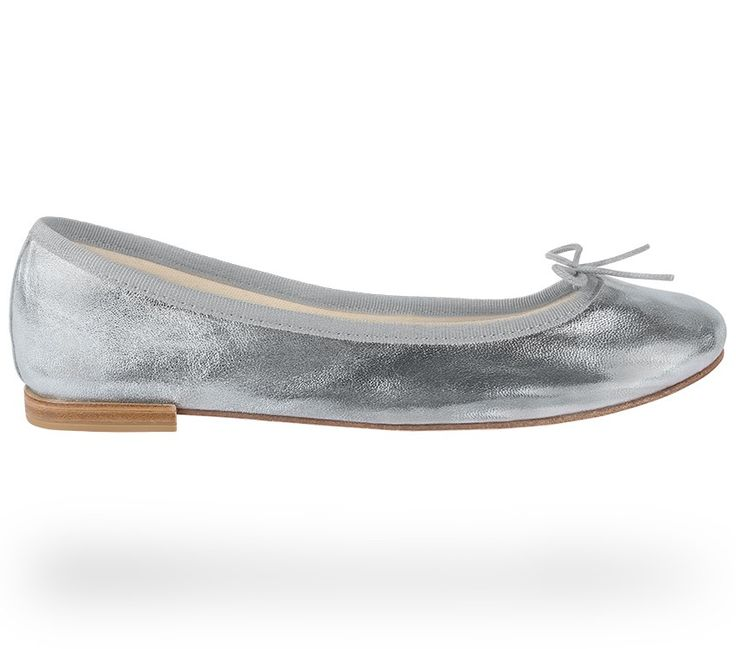 Ballerina Cendrillon White Gold Lambskin by Repetto. #Repetto #Wedding #WeddingShoes #Metallic #MetallicShoes #WhiteGold