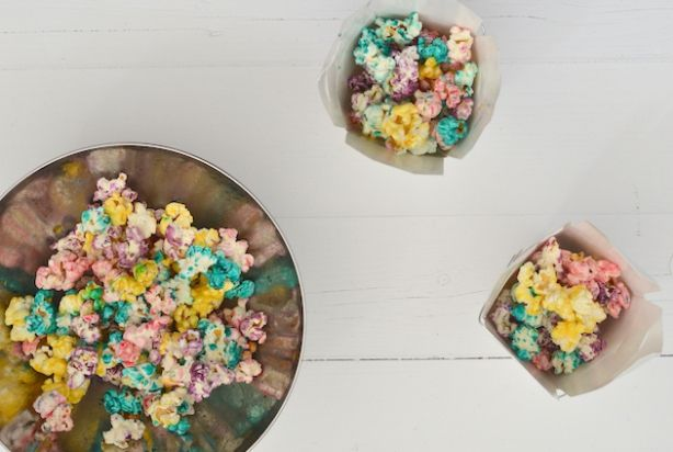 Regenboog popcorn.