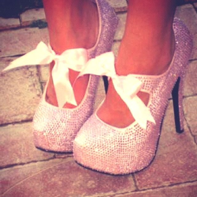 so cute!: Pink Sparkle, Sparkly Shoes, Pink Bows, Styles, Weddings Shoes, Heels, Pink Glitter, Pink Shoes, Princesses
