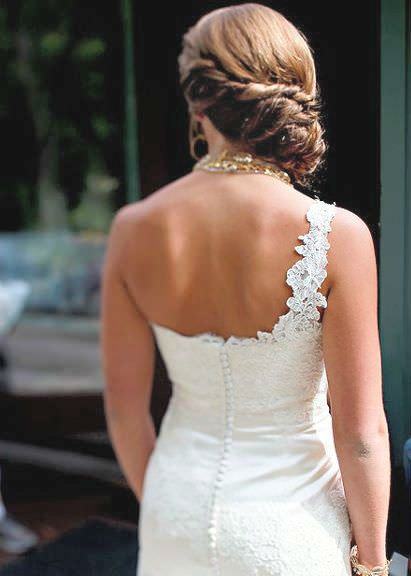 twisted chignon: Ideas, Wedding Dressses, Long Hair, Twists Chignons, One Shoulder, Hair Style, Medium Hairstyles, The Dresses, Wedding Hairstyles