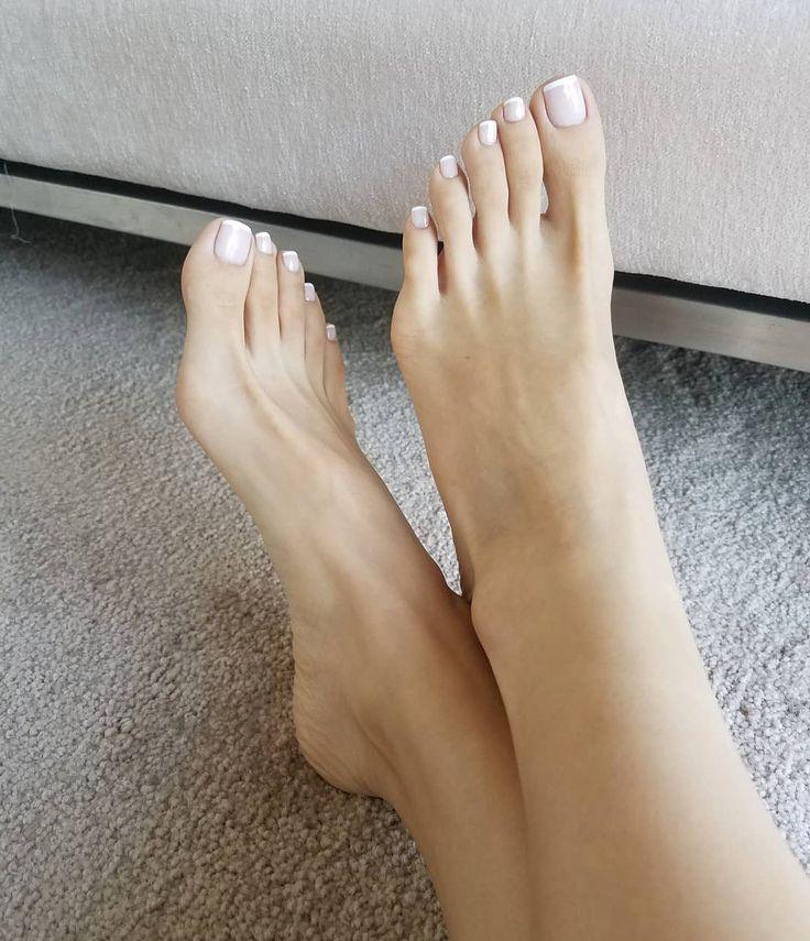 Николаевские пальчики ног женских