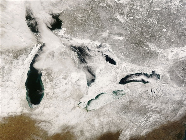 Great Lakes ice coverage falls 71 percent over 40 years, researcher says