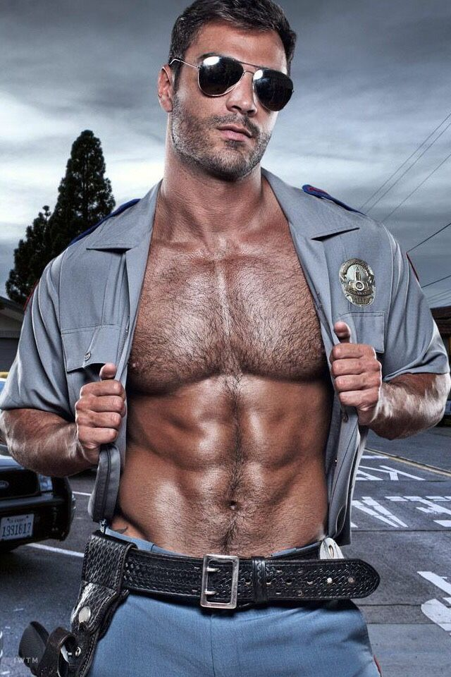 The Cop A gay man finds cops can be kinky