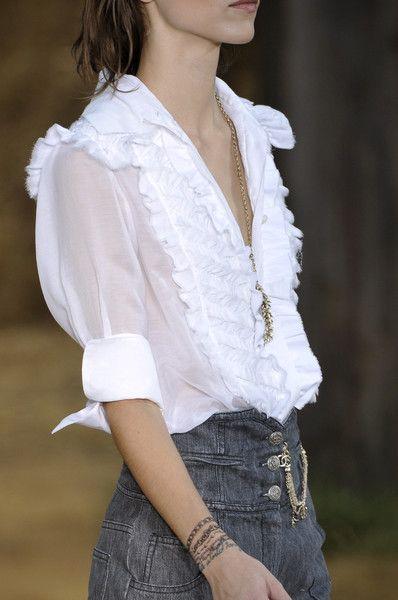 ^Chanel at Paris Spring 2010 (Details)