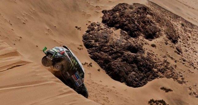 El francés Stéphane Peterhansel (Mini) ganó hoy la penúltima etapa del Dakar y se convirtió en el nuevo líder del Dakar en coches, después de superar al español Nani Roma por 26 segundos en la general, pese a las consignas del día anterior.