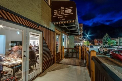 The #SaltedVine in #Squamish offers craft cocktails, fine wines, raw oysters, farm-fresh charcuterie, classic steaks and soufflés, all served in an upscale country-meets-city setting.