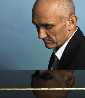 Paul Kelly playing in the UK over the next few months. If I miss him I'll give myself an upper cut.