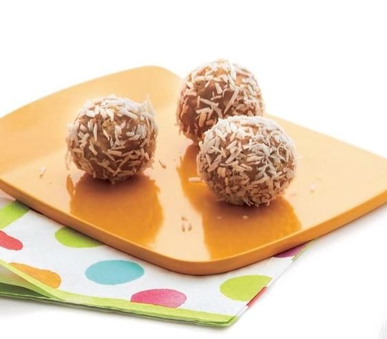 Coconut Cashew Butter Bonbons: Mix rice cereal and cashew butter together for a crisp yet creamy sweet treat.
