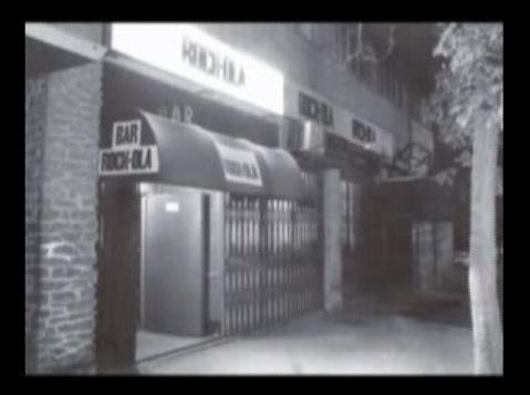 Rock-ola estaba situada cerca de la Avenida de América, Padre Xifré y nació como la ampliación de la sala Marquee, abierta a finales de 1979 al reconvertir un music-hall en sala de conciertos. Parece ser que el motivo de optar por ampliar el local ocurrió tras un concierto de Mamá y Los Secretos en 1980 en el que más de 1.000 personas se quedaron fuera.  Así, se decidió acondicionar también el local contiguo (cine Mónaco) lo que en el mismo 1980, dio lugar al Rock Ola.