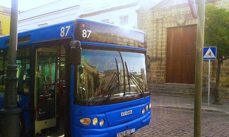 Doce líneas especiales y una lanzadera de Autobuses Urbanos para la Semana Santa de 2017