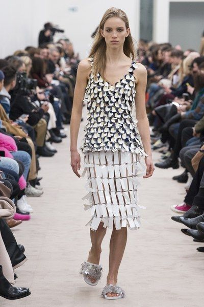 The complete Paco Rabanne Fall 2018 Ready-to-Wear fashion show now on Vogue Runway.