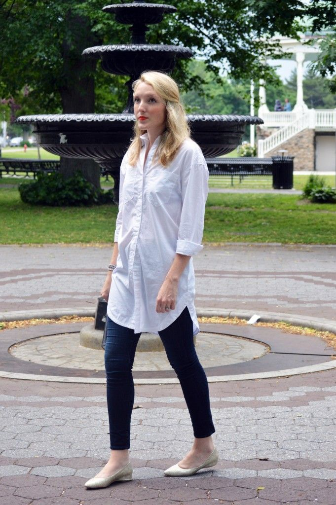 long white tunic top, skinny jeans, and gold flats | one brass fox ...