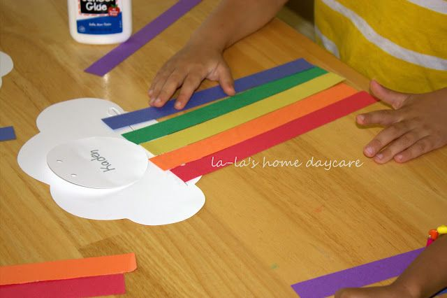paper rainbow craft (from LaLa's Home Daycare)