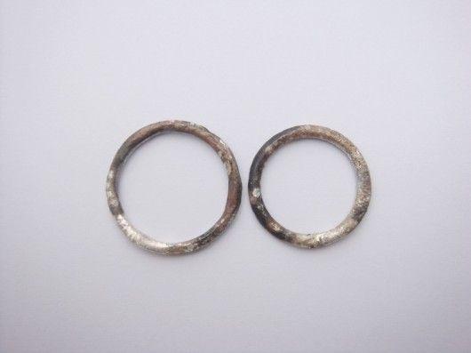 dwie obrączki srebrne