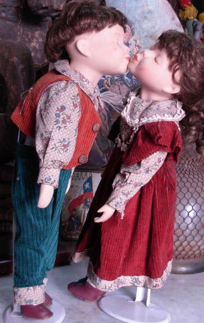 Muñecos besuqueadores