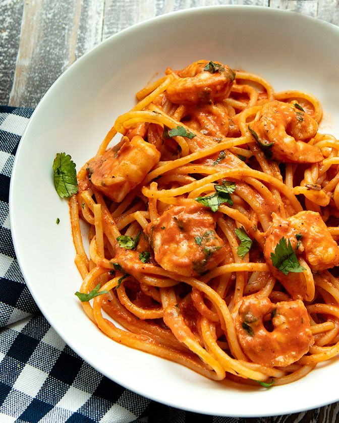 Spaghetti With Shrimp In Creamy Tomato Sauce Recipe Easy Pasta Dishes Creamy Tomato Sauce Creamy Tomato Pasta