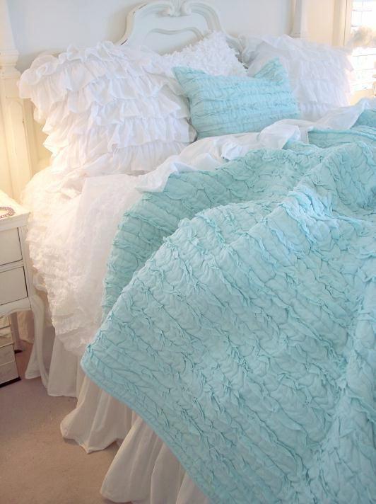 Turquoise & White Bedding <3