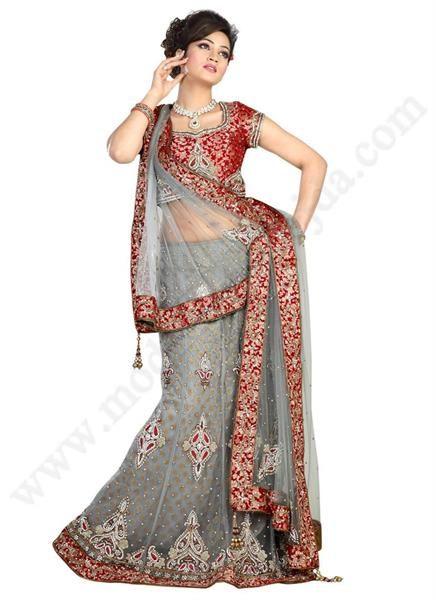 Индийское женское национальное платье