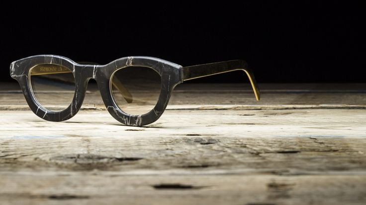 Stonecycle Fantiscritti Eyewear in Marble and Carbon Fibre #stonecycle #marbleyewear #eyewear #occhiali #sunglasses #madeincarrara #francescomottini #marble #marbledesign