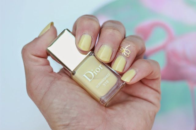 Sprinkles on a cupcake: Summer nails with Dior Tie Dye