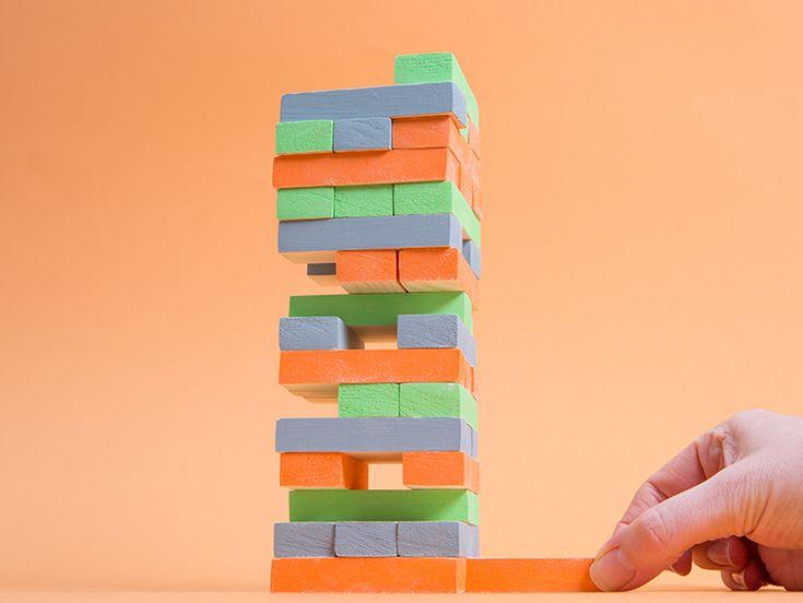 DIY-Anleitung: Bausteine aus Holz selber machen, Spielzeug selbermachen / craft wooden kid's toy via DaWanda.com