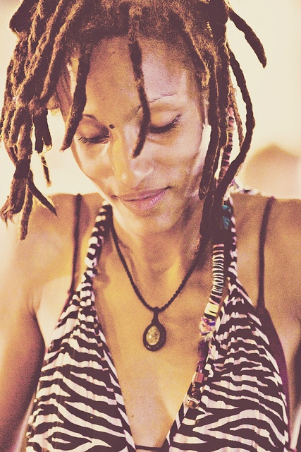 Dreadlocks woman by Nadine www.nadinesilva.it,