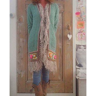 Mijn lievelingsvest! #crochetfashion #gehaakt #uncinetto #happycollors…