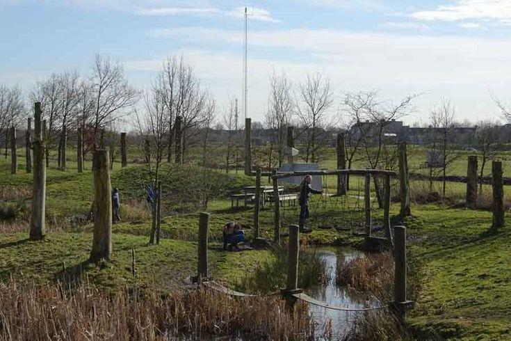 Kom spelen in speelbos Nieuwe Wulven! Dit bos staat in het teken van de romeinen en de Hollandse Waterlinie, en is een van de grootste van Nederland.