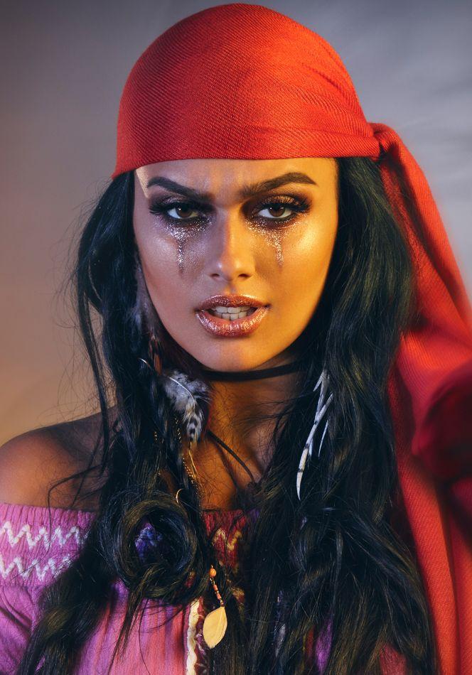 How To Pirate Makeup Tutorial For Halloween Superdrug Pirate Makeup Halloween Makeup Pirate Cute Halloween Makeup