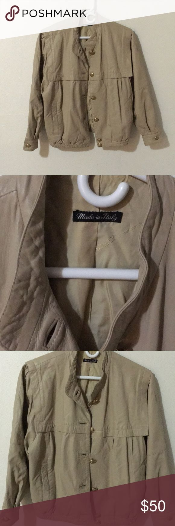 Vintage Italian Leather Jacket 🧥 The leather on this is amazing! Movable and soft to the touch. It's kind of a tan-taupe-cream color. Jackets & Coats
