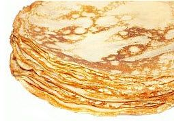 Plain Crepe, made from flaxseed meal, eggs and coconut oil. I used regular brown flaxseeds and 1 1/3 cups of water, and added 1 tsp cinnamon, 2 tsp vanilla and 1/4 tsp salt. Very good!