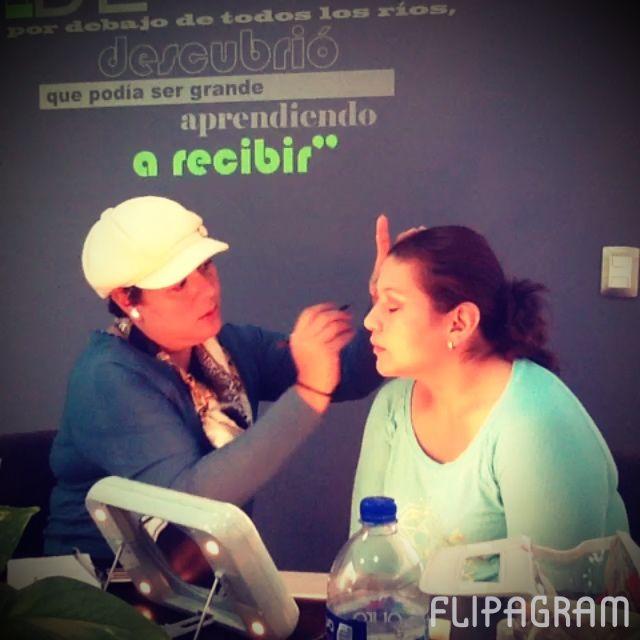 #cursos de #maquillaje #coloreandoTuVida #AgsMx #makeupaddict #makeupartist #class informes al 2142729 ♫ One Direction - Drag Me Down Creado con Flipagram - https://flipagram.com/f/gmyKgyzI0S