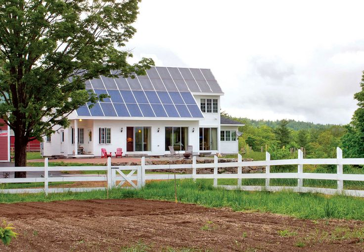 With the falling price of solar panels, switching to solar energy is getting more and more do-able for people all over the world. Energy expert Dan Chiras tells how you can be one of those people. From MOTHER EARTH NEWS magazine.
