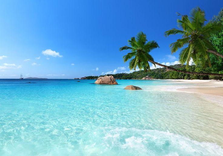 Den smukkeste strand i Seychellerne er Anse Lazio Beach på øen Praslin. Den skulle faktisk eftersigende være den smukkeste strand i verden!