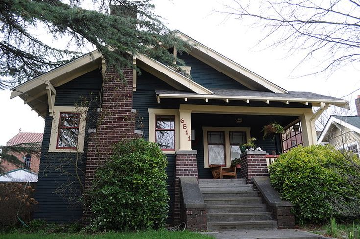 Craftsman Bungalow | typical craftsman bungalow in Seattle (Photo from wikimedia commons)