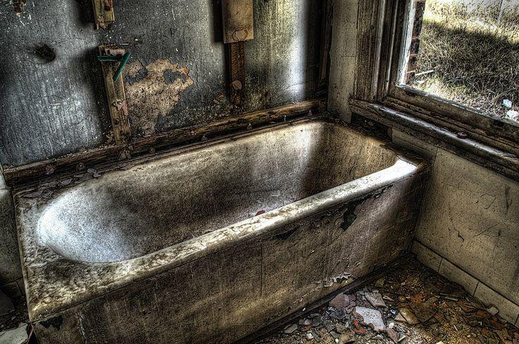 Abandoned_houses4 by RichardjJones.deviantart.com